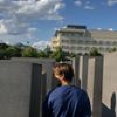 Roman zoekt een Huurwoning / Kamer / Studio / Appartement / Woonboot in Utrecht